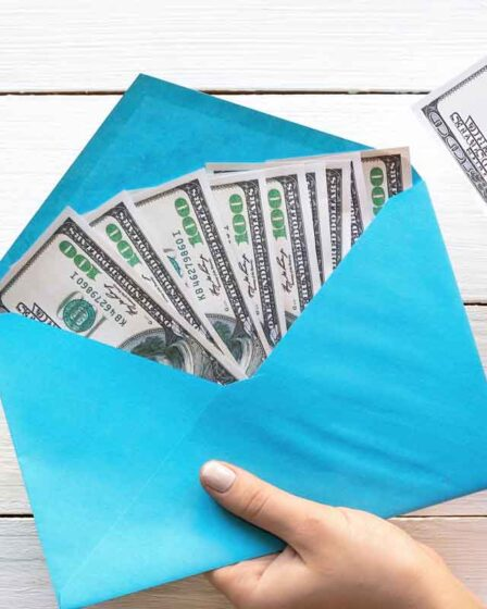 Saving Money with Envelopes Helps to Save an Additional 5050 at Year's End!